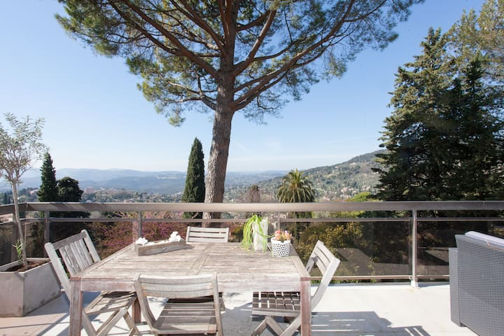 Panorama exceptionnel ! - Grasse - Huis