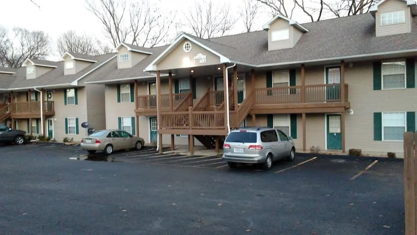 Lake Front Condo - Branson - Apartment