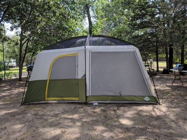 Ready set tent with space guaranteed