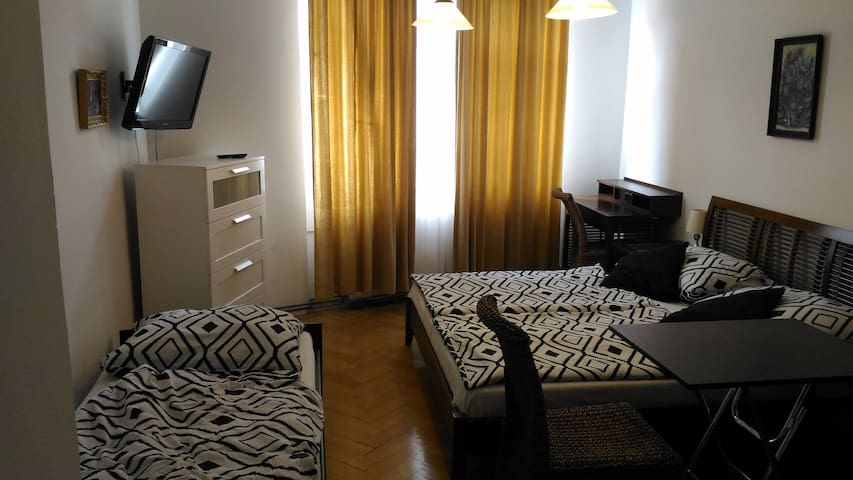 Modern apartment Skolska in city center!