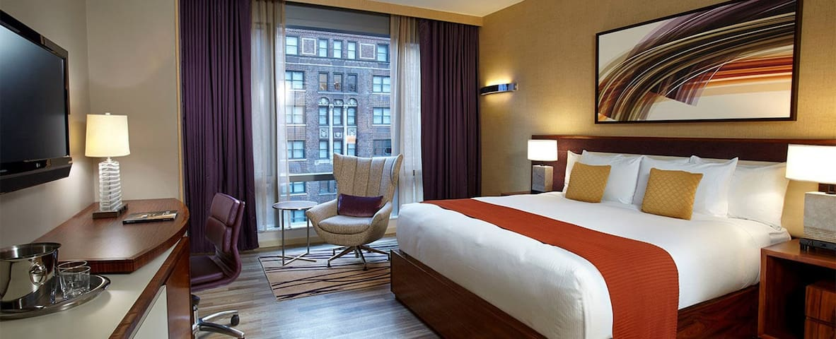 NYC Central Park Lux Hotel w/ Brfast & Dinner incl