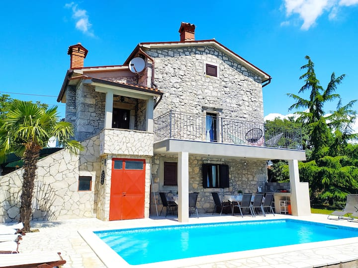 Rustic Villa Volta with  pool