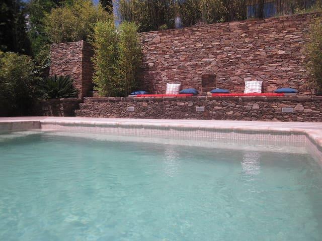 Villa 60 m² au calme (piscine et flipper)