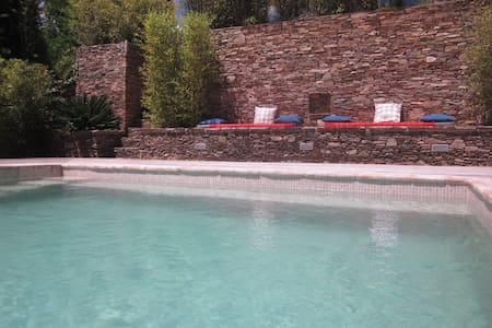 Villa 60 m² au calme. - Grimaud