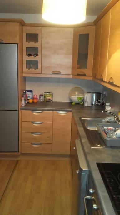 Kitchen area again