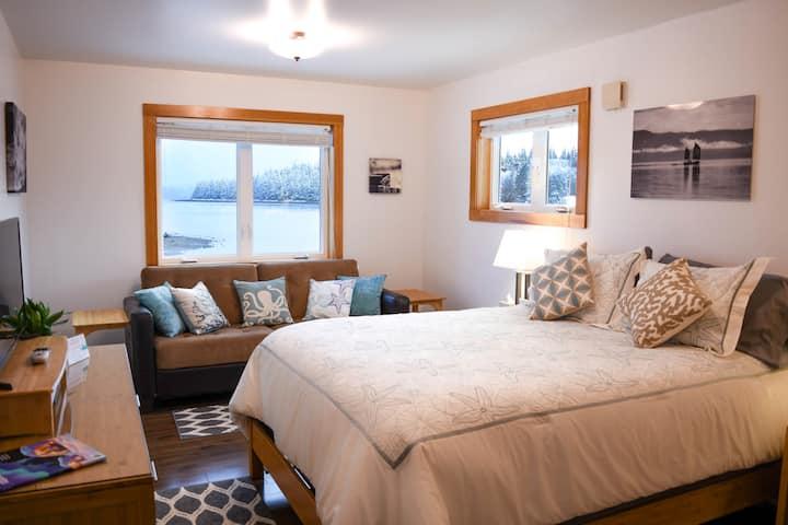Lighthouse Inn Apartment: Luxurious; Private