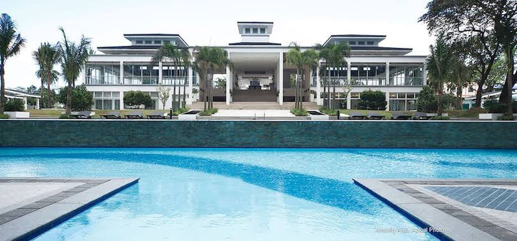 Grass Residences Condo Unit with Free Parking