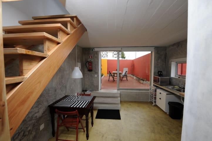 A CASA - Capelas - Huis