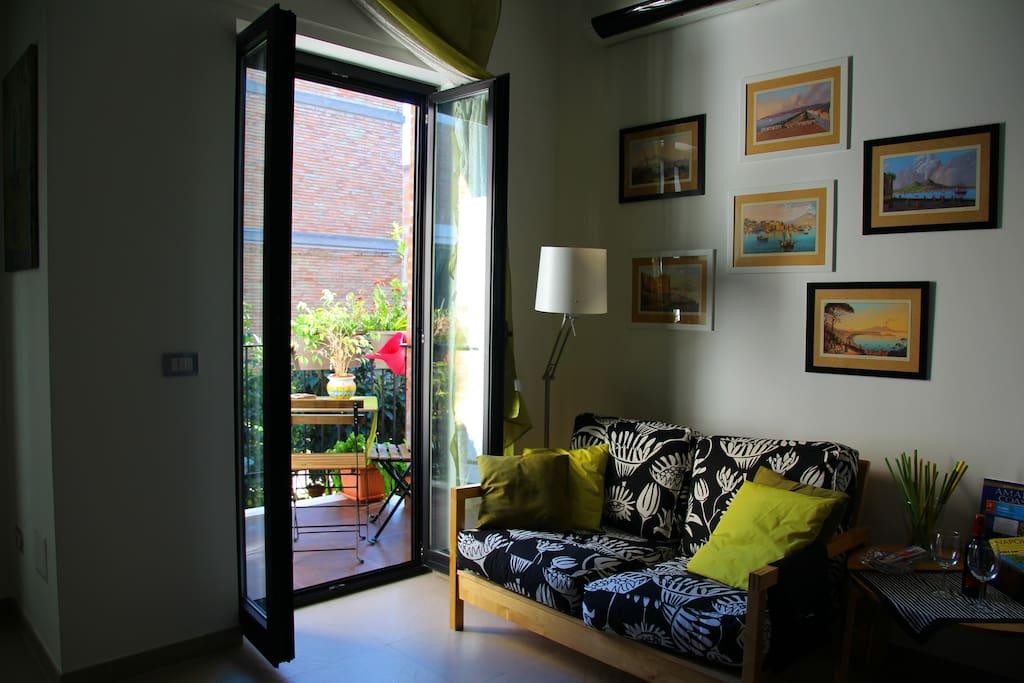 Soggiorno e Terrazzino _Living room and Small terrace