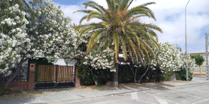 Adosado con Terraza y Jardín junto a la Playa