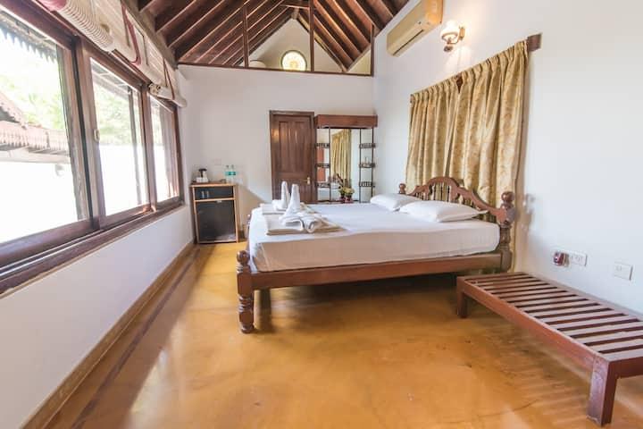 Kundapura Homestay: Sea Facing Sun Cottage