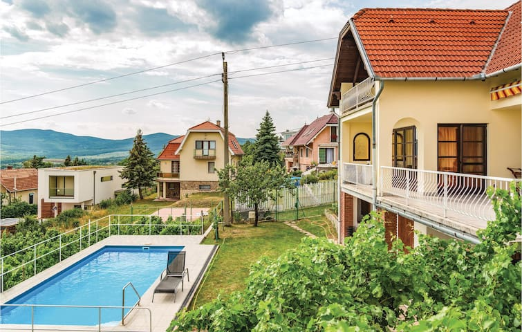 Holiday cottage with 3 bedrooms on 110m² in Szentendre