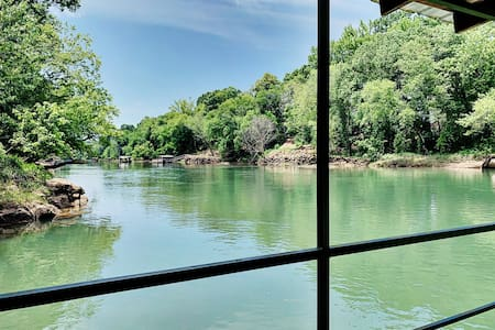 Dripping Springs Retreat ~ on Little Red River
