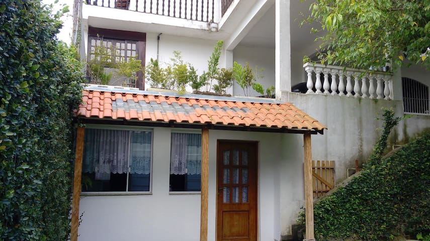 Casa Inteira, ampla e aconchegante! Barueri - SP