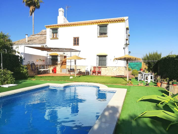 Villa with 4 bedrooms in Antequera, with private pool, enclosed garden and WiFi