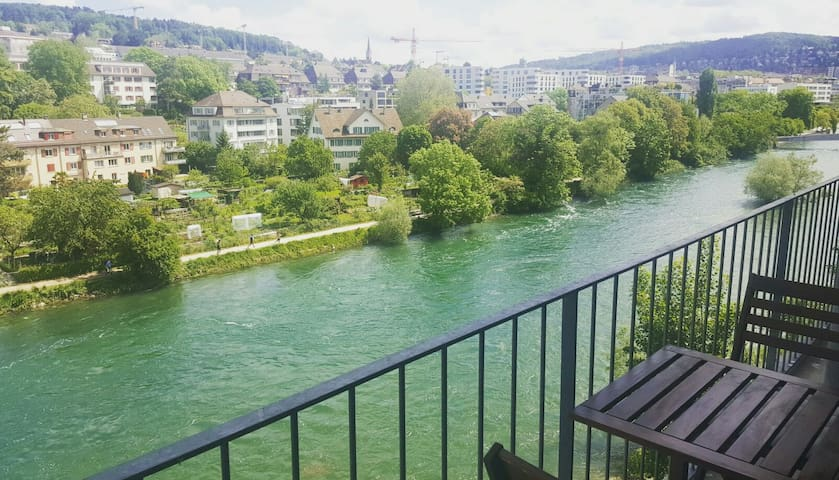 Beautiful, central flat with Limmat (river) view