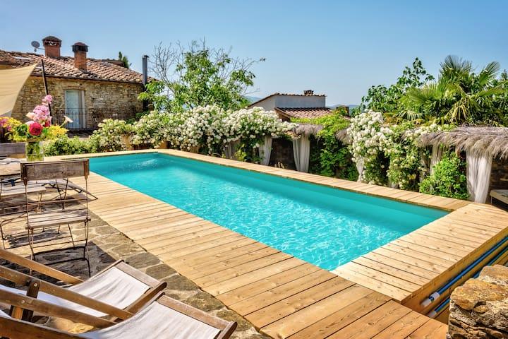 Emozioni Toscane - Tuscan Villa with private pool