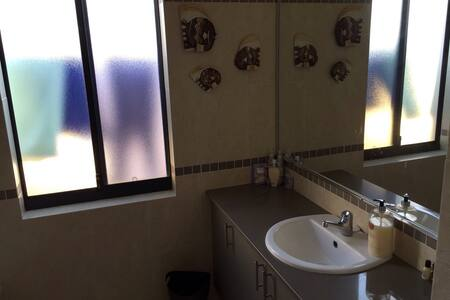 Comfortable rooms in quite area - Carramar - House - 1