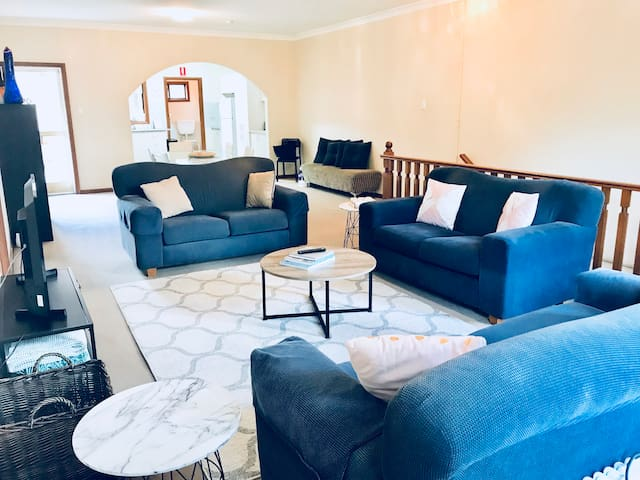 Lovely Huge 2 Bedroom apartment (1 to 6 people)