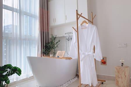 【溪悦·民宿】简约舒适浴缸 投影仪观影|大学城 近高铁南站