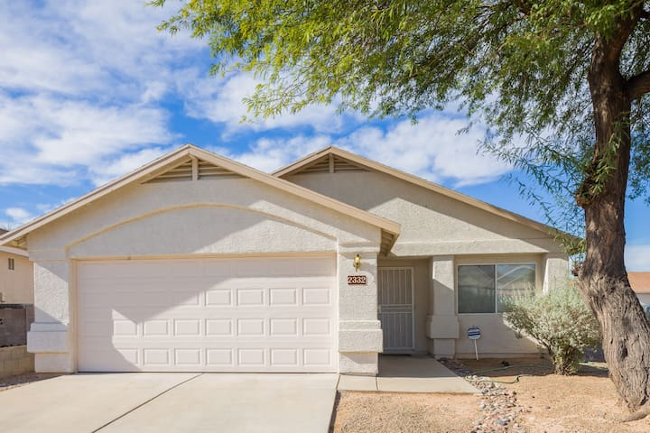 Mi casa es su casa en Tucson. Welcome