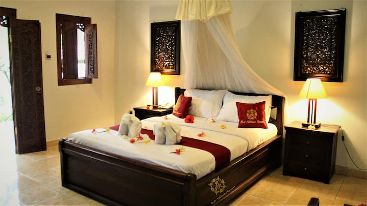 Relaxing Honeymoon Stay at North Bali