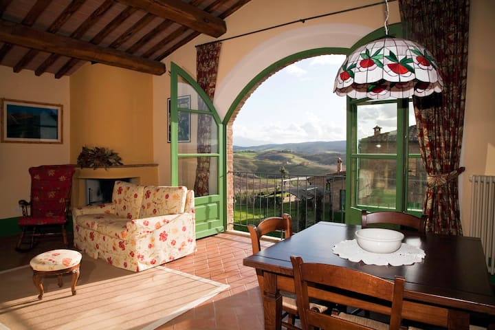 Romantic Suite in Tuscany with breathtaking views