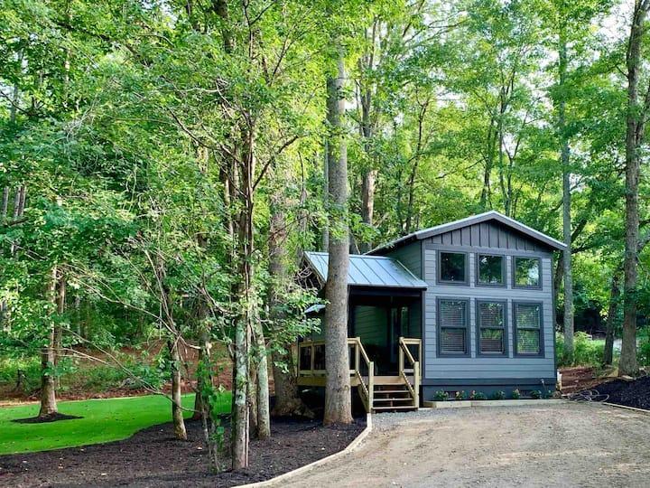 Modern Cabin * tiny house *  Retreat *sanitized*