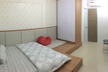 Dahlia Cozy Asian studio apartment @ Bassura