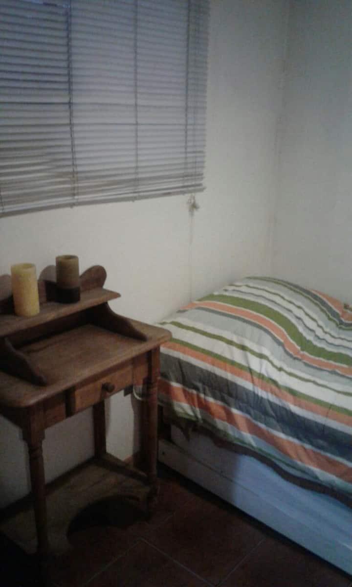 Comfortable Private Room in Las Condes near Subway