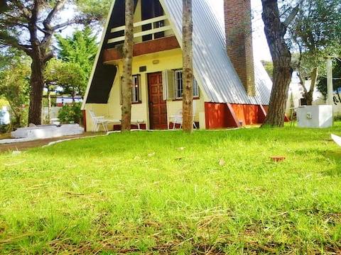 Alpina House Facing the Sea - Aguas Verdes