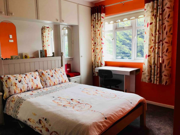 Comfy double room (2 guests) in Kilnamanagh D24