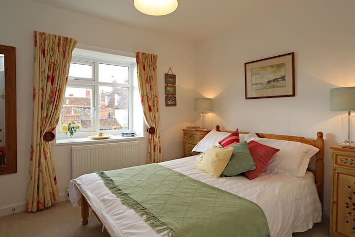 Holiday Cottage with View of Wells Cathedral - Wells - Talo