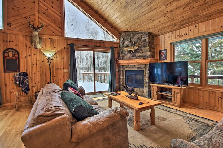 Pet-Friendly Cabin on Lake Vermillion w/Dry Sauna!