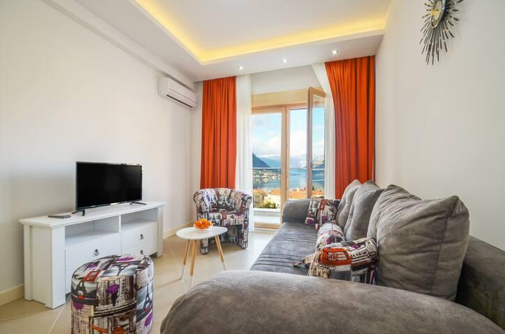 3M luxury 2 bedroom seaview apartment orange