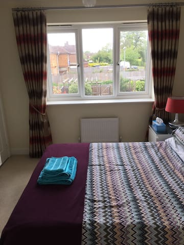 Double Room in Slough near Wexham Park Hospital