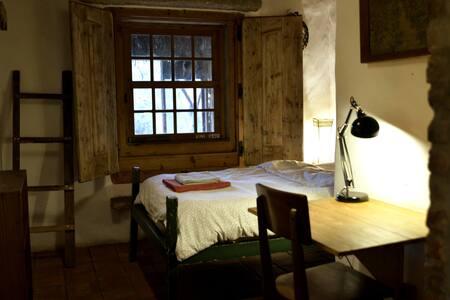 Single room in a Organic Farm house