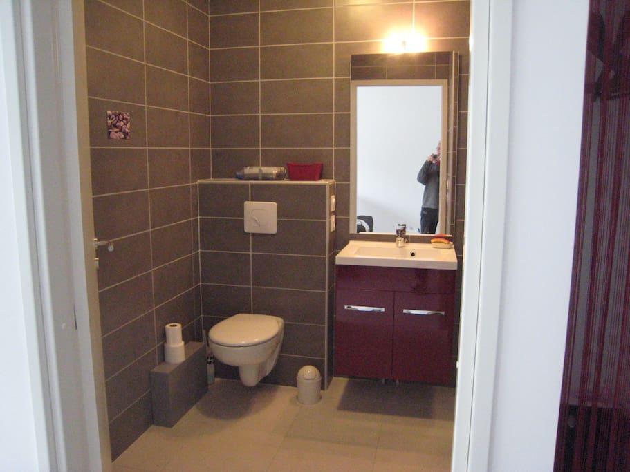 Studio sortie d 39 ajaccio appartements louer ajaccio for Ventilateur salle de bain sans sortie