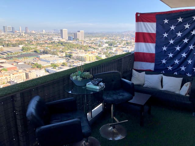 Lovely room with marvelous view near Santa Monica