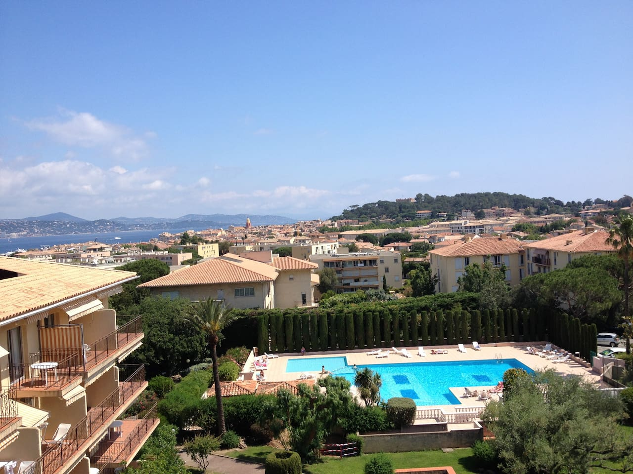 vue Mer Village Citadelle du balcon - sea view on St tropez Gulf-true view from appartment