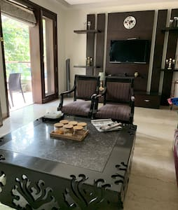 """Private 5 Star home in city centre""-5min fm metro"