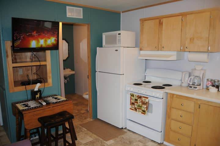 Yellowstone Modular Home 9:NO CLEAN FEE, free WiFi
