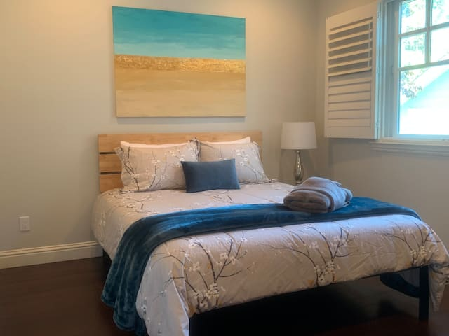 Private Bedroom C - Near Burlingame Downtown & SFO