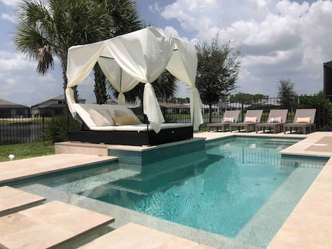 Luxurious 5 bedroom vacation home w. private pool.