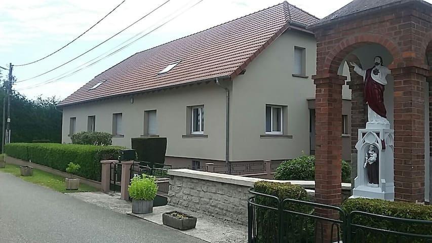 Vue de l'habitation située 62 rue de la paix