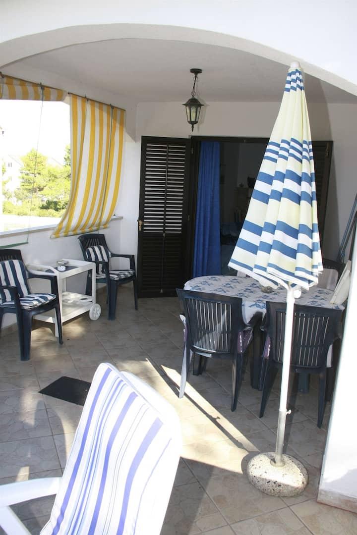 Two Bedroom Apartment, seaside in Mirca - island Brac, Balcony