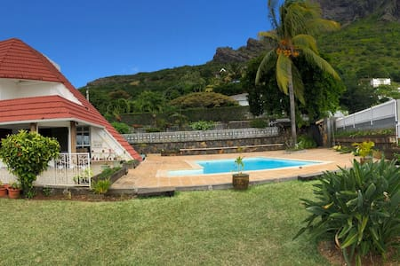Villa Le Flamboyant with private pool and seaview