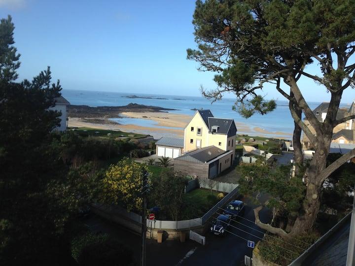 Dinard appartement vue sur la plage de stEnogat