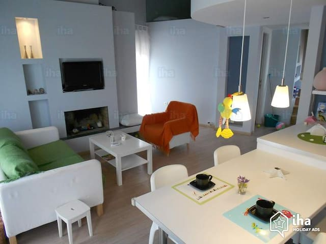 Holiday spacious appartment in Villea Village - Kalamitsi - Leilighet