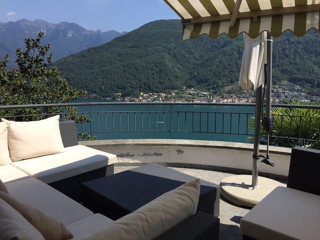 Vico Morcote: Tessiner-Ferienhaus mit Seesicht